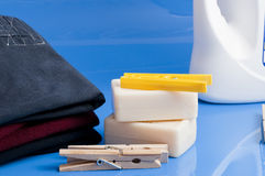 肥皂、衣裳和洗衣店 免版税图库摄影