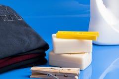 肥皂、衣裳和洗衣店 库存图片
