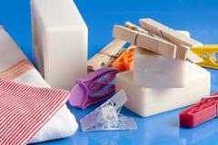 肥皂、衣裳和洗衣店 免版税库存照片