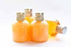 肥皂和香波瓶 免版税库存图片