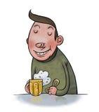 肥胖人饮用的啤酒 免版税库存图片