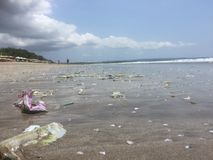 肮脏的库塔海滩,巴厘岛,印度尼西亚 图库摄影