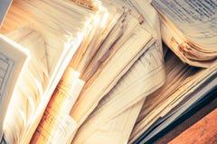 肮脏的杂乱纸张文件 免版税图库摄影