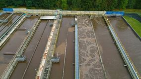 肮脏的水在污水处理厂 影视素材