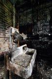 肮脏的水槽-被放弃的老乌鸦槽坊-肯塔基 免版税库存照片