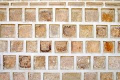 肮脏的老石墙 免版税库存图片