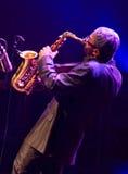 肯尼Garrett执行活在4月28日爵士乐 免版税库存图片