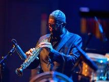 肯尼Garrett执行活在4月28日爵士乐 免版税图库摄影