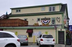 肯纳邦克波特,缅因, 6月30日:从肯纳邦克波特的街市历史的议院缅因国家的美国 免版税库存照片