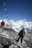 背包徒步旅行者喜马拉雅山 免版税图库摄影