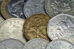 背景不同硬币的国家(地区) 库存照片