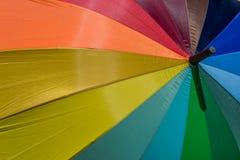 背景五颜六色的伞 免版税库存图片