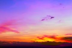 背景五颜六色的日落 免版税库存照片