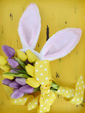 背景兔宝宝耳朵复活节查出的白色 库存照片