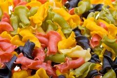 背景关闭色的意大利面食  免版税库存图片