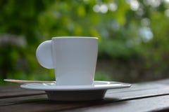 背景咖啡杯浓咖啡查出的路径白色 库存图片
