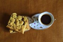 背景咖啡饼白色 免版税库存照片