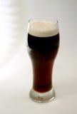 背景啤酒星形烈性黑啤酒 免版税库存图片