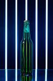 背景啤酒瓶绿色拍摄了白色 免版税库存照片