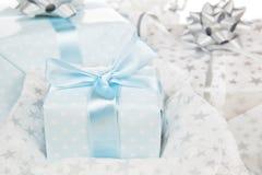 背景圣诞节被包裹的礼品豪华 库存照片