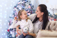 背景圣诞节系列愉快的超出结构树白色 免版税库存照片
