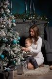 背景圣诞节系列愉快的超出结构树白色 图库摄影