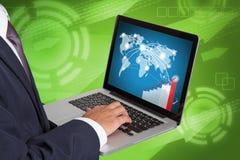 背景在空白工作的生意人膝上型计算机 免版税库存图片