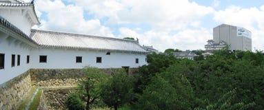 背景城堡防御姬路墙壁 免版税库存照片