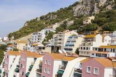 背景城市的风景视图岩石的在直布罗陀 免版税库存照片