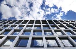 背景大厦片段玻璃查出的办公室白色 库存图片