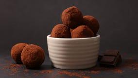 背景巧克力例证块菌包裹 免版税库存图片