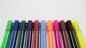 背景彩色插图查出的笔设置了向量空白 免版税库存图片