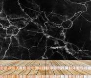 背景抽象大理石墙壁和木头平板在透视纹理背景中安排了 库存图片