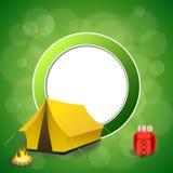背景抽象绿色野营的旅游业黄色帐篷红色背包篝火圈子框架例证 免版税图库摄影