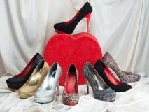背景查出在鞋子白人妇女 免版税库存图片