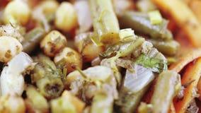 背景查出的牌照沙拉蔬菜白色 股票视频