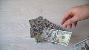 背景概念饮食金黄蛋的财务 商人计数金钱的手 关于美元的录影muvie 影视素材