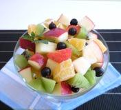 背景水果沙拉白色 免版税库存照片
