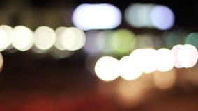 背景汽车在晚上,红色蓝绿色 影视素材