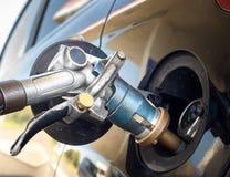 背景汽车详细资料燃料查出的泵白色 库存照片