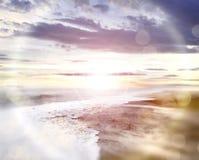 背景海滩底层重点前景框架高laping的地中海一解决方法场面se海运sumer第三wves 免版税库存照片