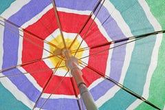 背景海滩高res伞 免版税图库摄影