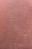 背景深刻的详细grunge亚麻制红色纹理 免版税库存照片