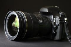背景照相机剪报dslr查出的路径白色 免版税图库摄影
