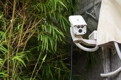 背景照相机cctv高例证查出质量白色 照相机概念证券监视墙壁 私有财产prote 免版税库存图片
