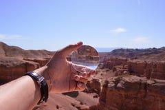 背景玻璃例证查出的扩大化的向量白色 Charyn kanjon 免版税图库摄影