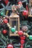 背景球明亮的圣诞节装饰结构树白色 免版税库存照片