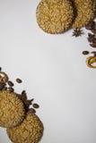 背景用各种各样的曲奇饼和芳香成份13 免版税图库摄影