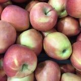 背景用新鲜的红色苹果 库存图片