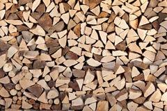 背景的木柴堆 库存图片